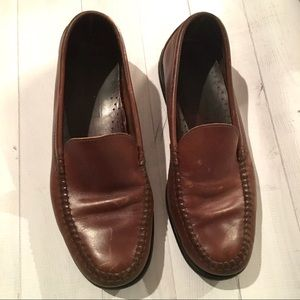 Men's Sperry Shoes size 10 tan loafers slip on